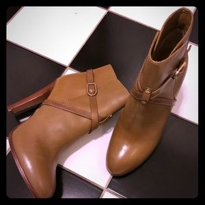 Like New Tory Burch Ankle Boots